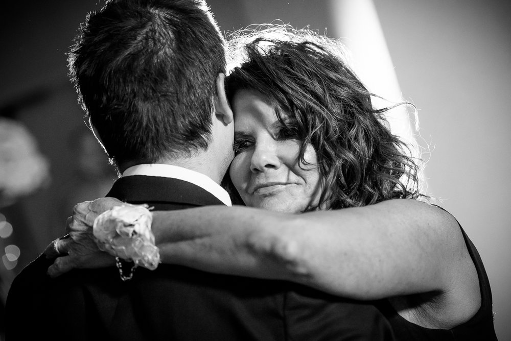 Mother-son dance at a Thompson Chicago wedding.
