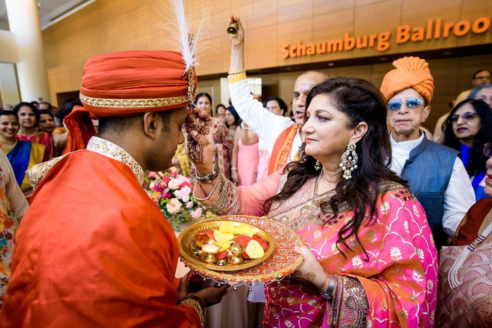 Milni ceremony during a Renaissance Schaumburg Convention Center Indian wedding.