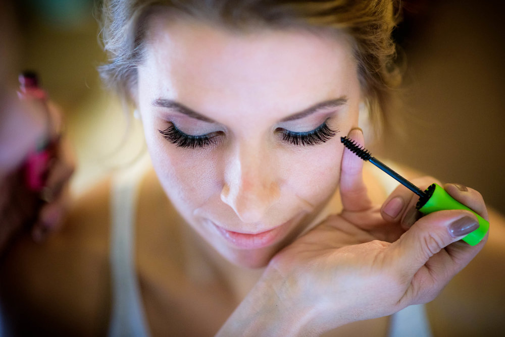 Bride getting ready during her Glessner House Chicago wedding.