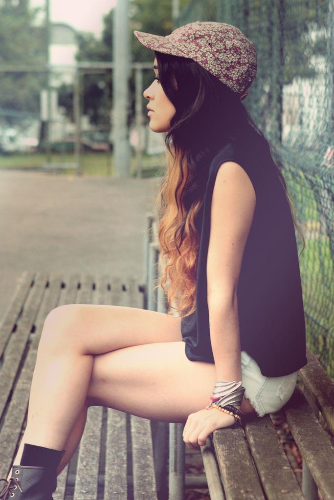 distingvished :      asvpdidy :     Her hair »»      xoxo