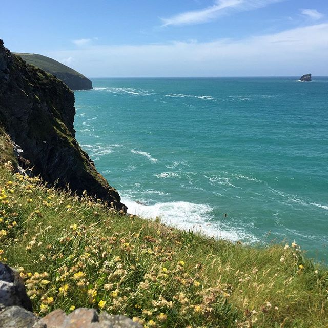 Spectacular views along the Cornish coast. #cornwall #stagnes #coastalwalk