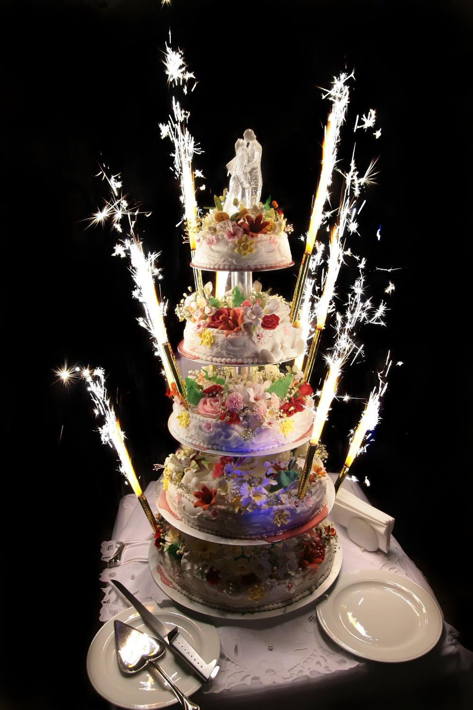 Wedding Cake Image.jpg