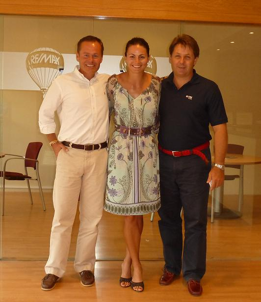 David and Lucie in REMAX Eralia.jpg