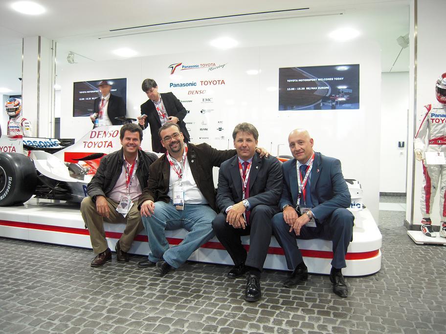 11 El equipo español y el Toyota Formula 1.JPG