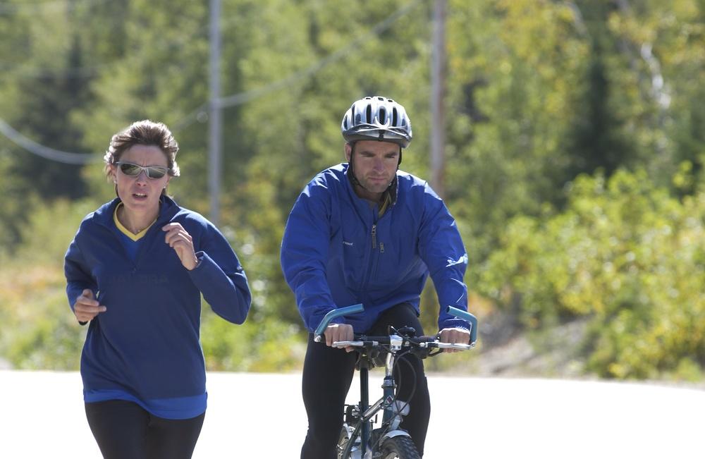 Marc Boudin et Véronique Amar traversant le Canada