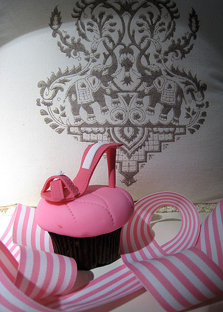 cupcake-from-let-them-eat-cake_2.jpg