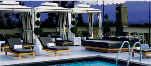 chamberlain-hotel_pool-600x263.png