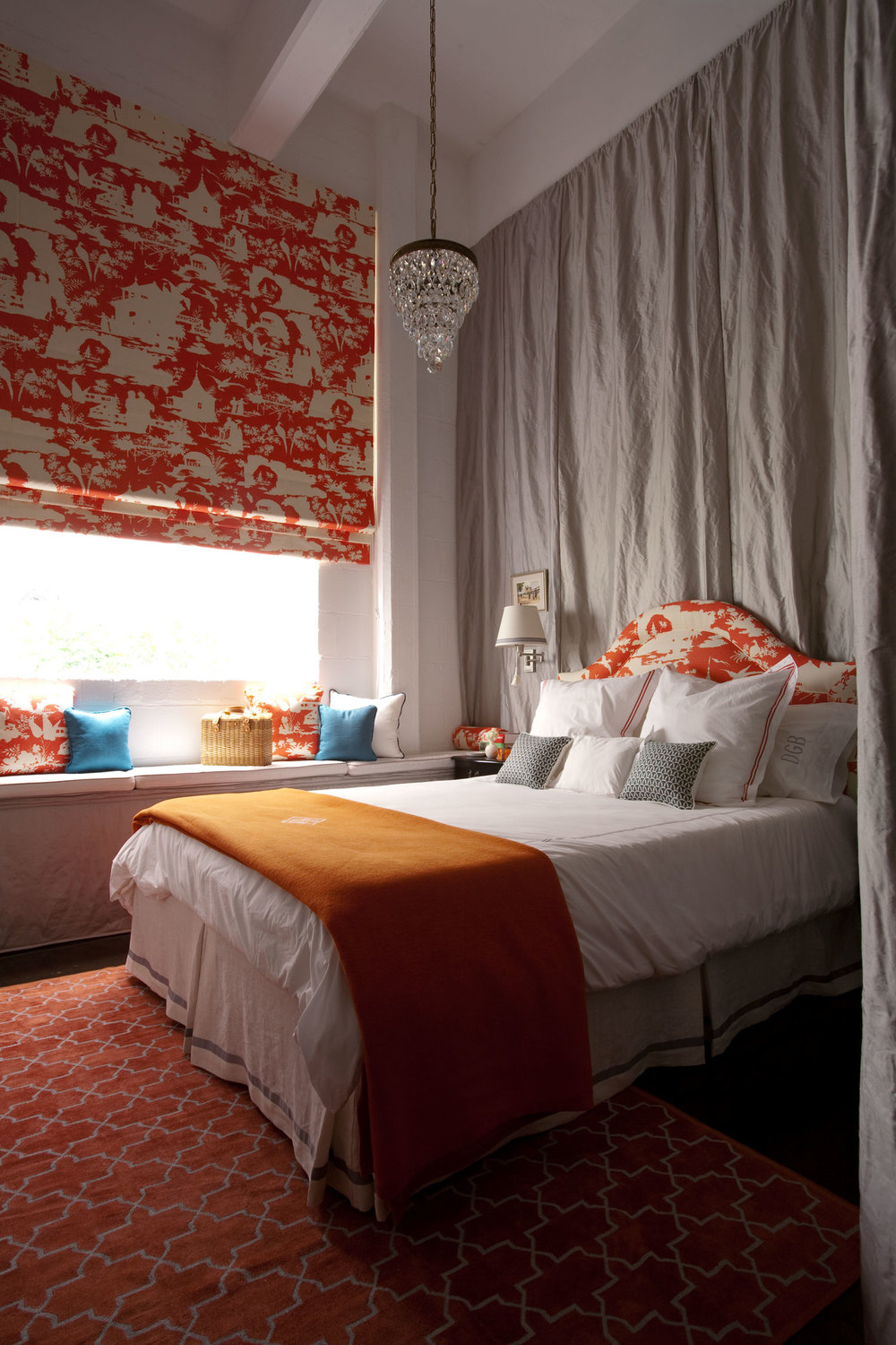 girls-bedroom-tangerine-toile-roman-blind-silk-curtain-diane-bergeron.jpg