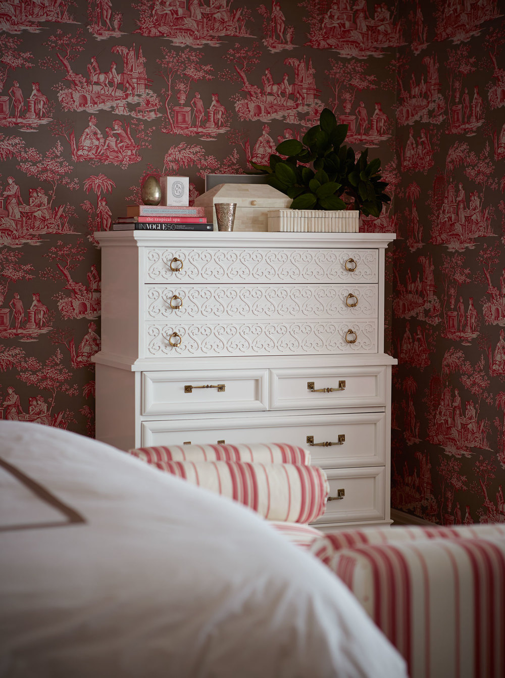 manuel-canovas-wallpaper-bedroom-raspberry-ivory-tallboy-chest-diane-bergeron.jpg