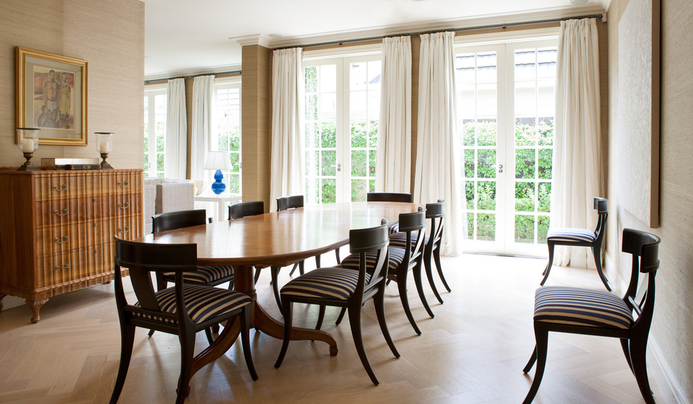 Dining room interior design diane bergeron interiors for Traditional dining room wallpaper