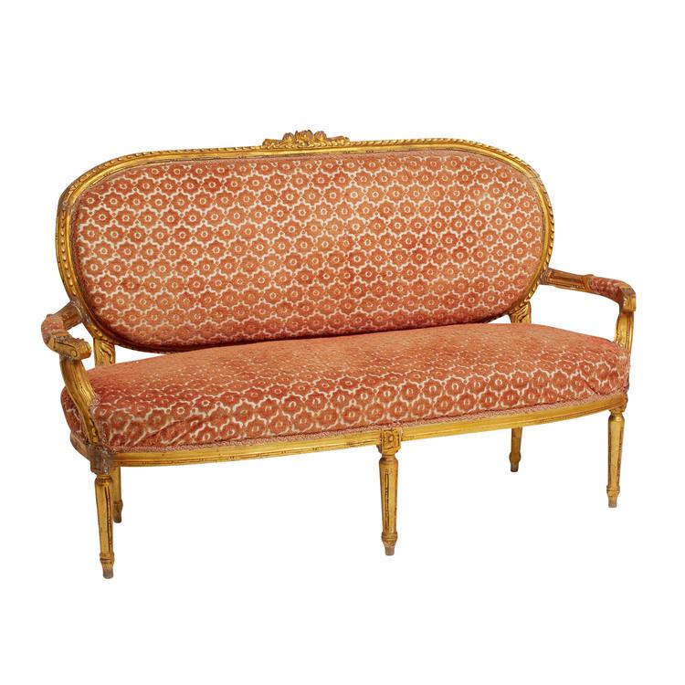 gold settee.jpg