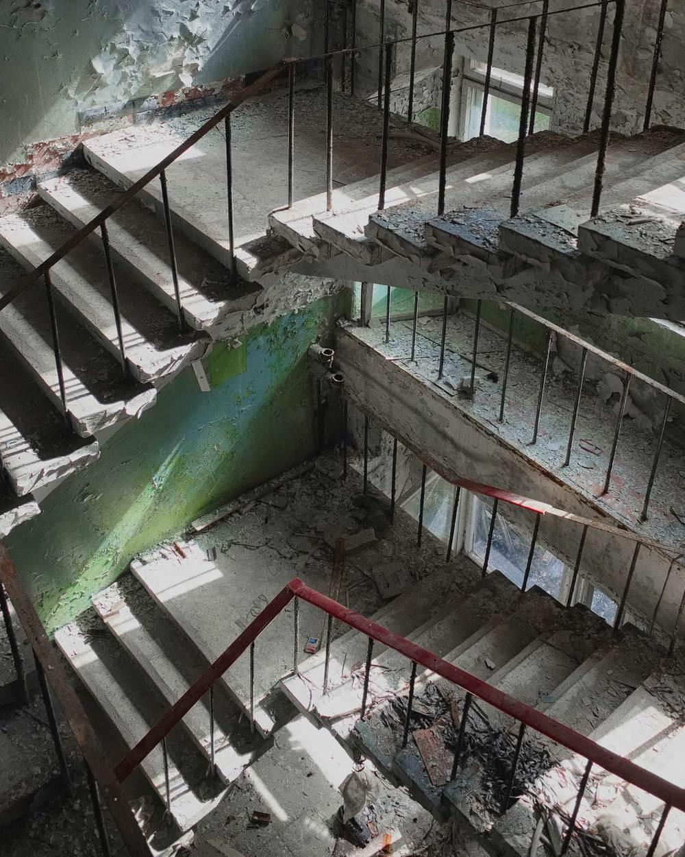 266_chernobyl_Chernobyl2_ControlCenter_w.jpg