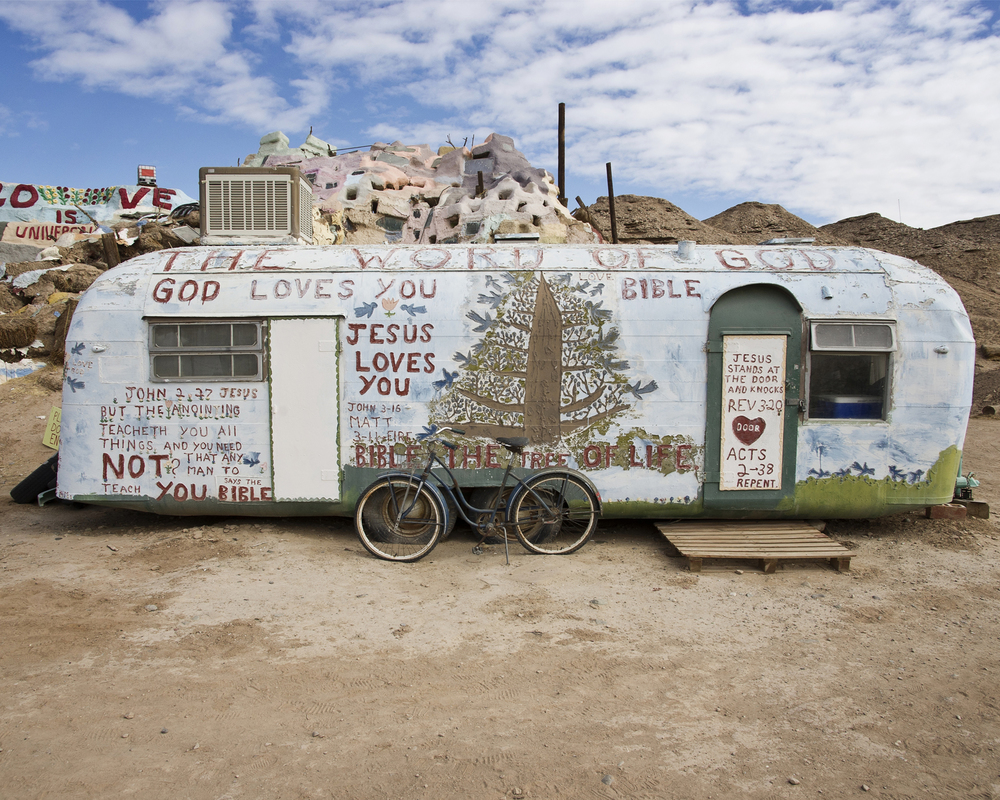 078_SaltonSea_SalvationMountain.jpg
