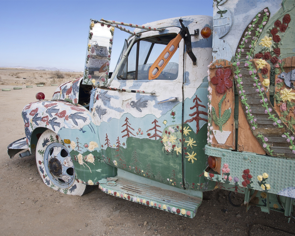 098_SaltonSea_SalvationMountain.jpg