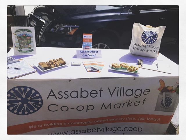 Stopping in to Haute Concord today? 🤗☕️ Be sure to stop by the @assabetvillagecoop table to learn about their awesome 😎Community Owned Grocery Store 🛒🍎🍊🍌🥑🌽 #hautecoffee #concordma #supportlocal #assabetvillagefoodcoop