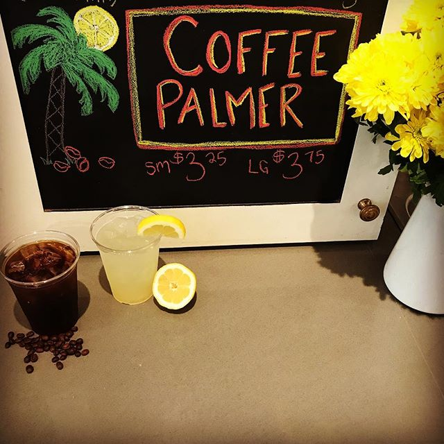 Coffee and lemonade?!! You betcha. Arnold Palmer's more kooky and caffeinated cousin, come check it out for yourself! ☕️🍋 #caffeine #myhautecoffee #cambridgema #icedcoffee #lemonade #arnoldpalmer