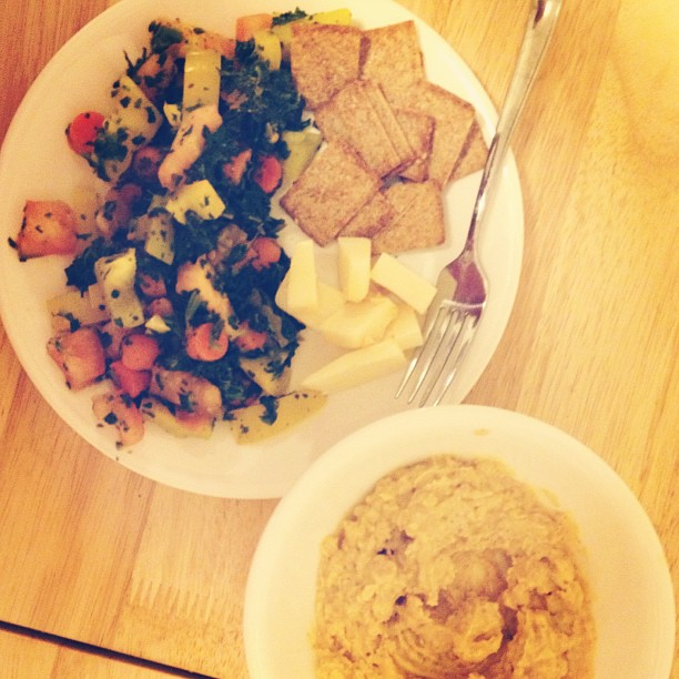 Veggies and homemade hummus. Yum.