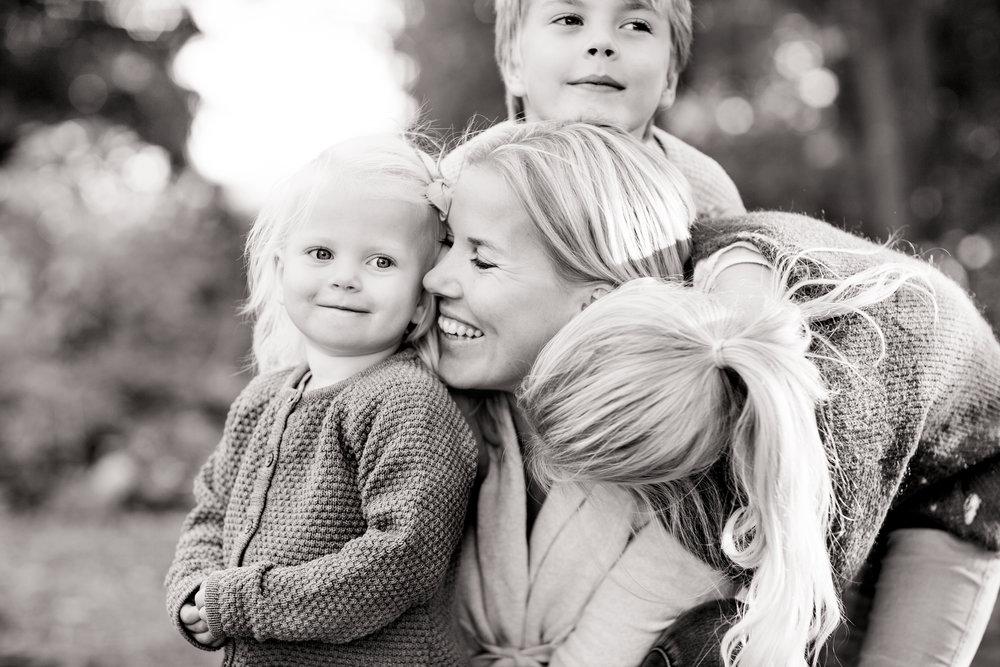 Schiller-familjefotograf-solna-stockholm-bromma-linda.jpg