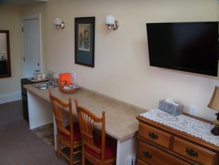 Guest-room-102.jpg