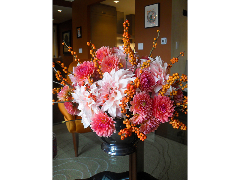 Tom Borgese_arrangements_Dahlias.jpg
