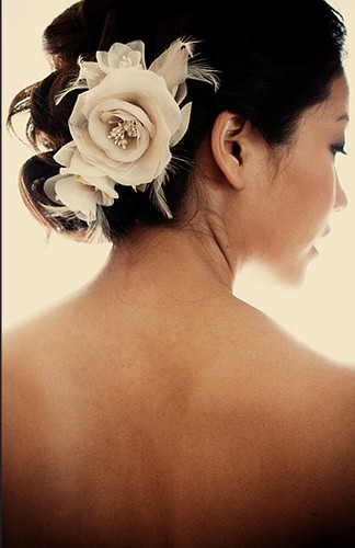 wedding hair flowers.jpg