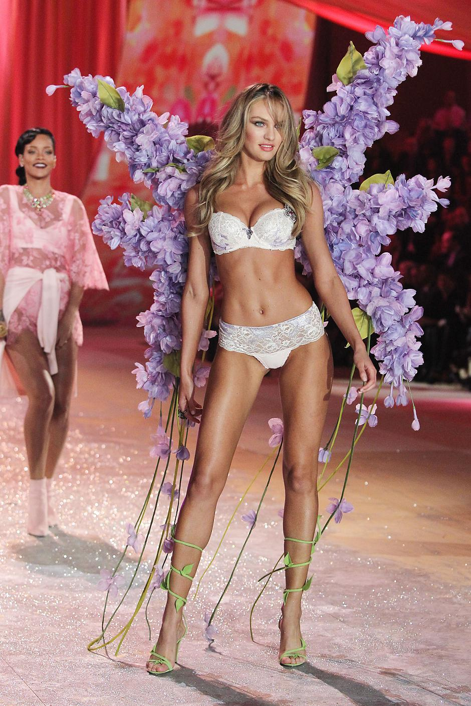 2012-Victoria-Secret-Fashion-Show-Pic-Pictures-Photos-2.jpg