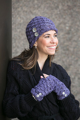 Fiona Hat and Fingerless Mitts by Mary Beth Temple