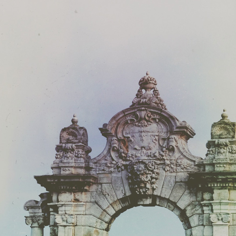 mckellar_gate_to_buda_castle.jpg