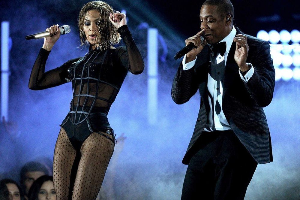 Beyonce-And-Jay-Z-on-the-run.jpg
