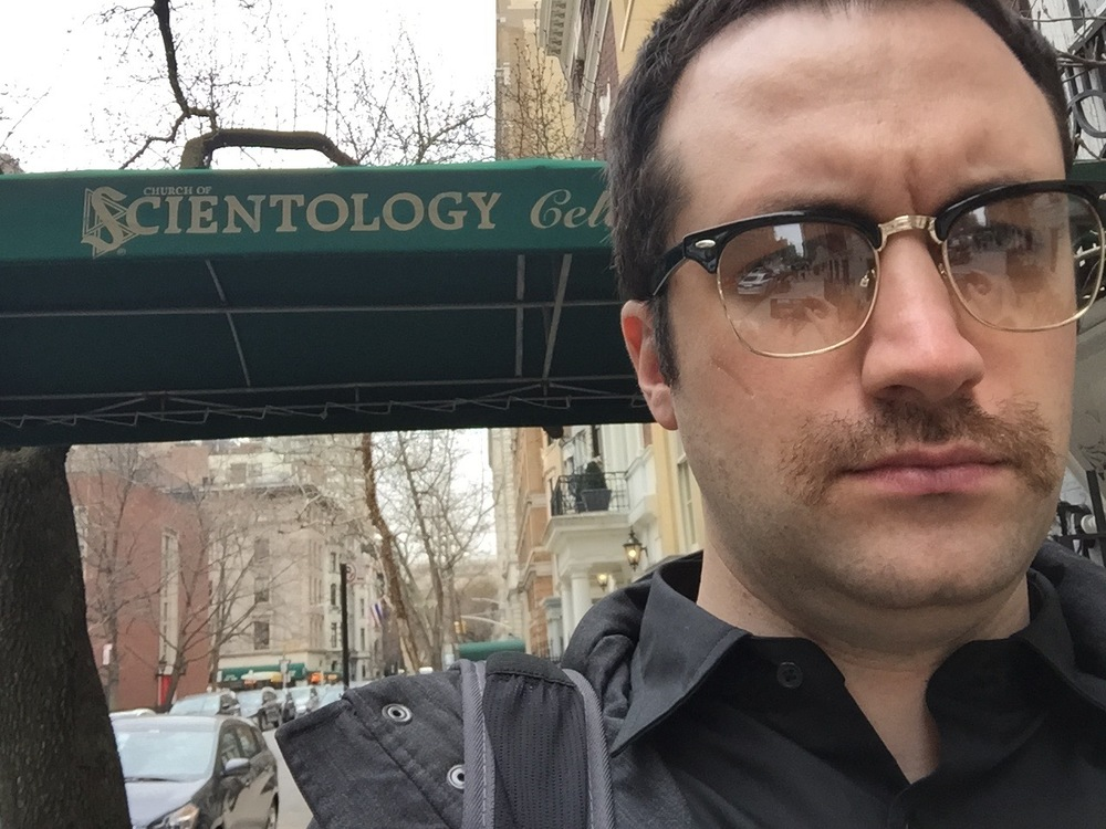 Tom undercover outside the Scientology center.