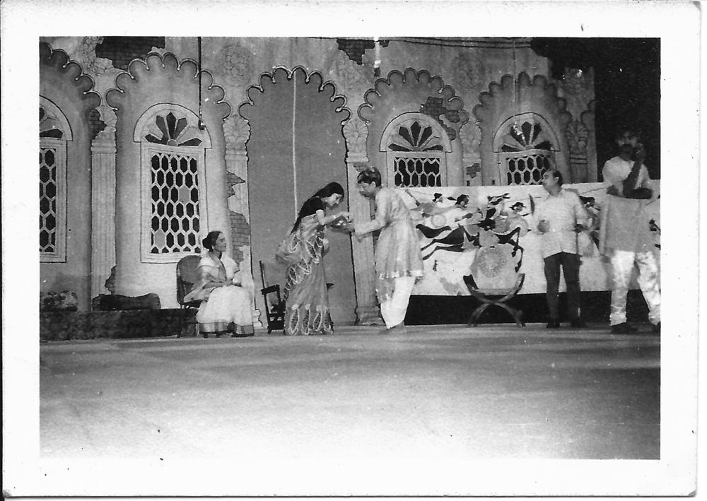 IITKGP Bengali Drama set 1975-76.jpg