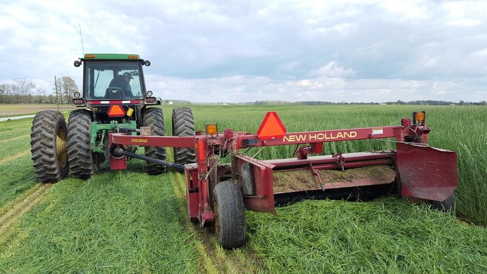Harvesting Graze King 90
