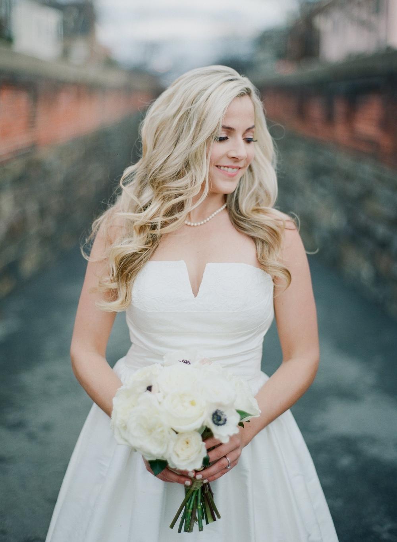 01_Bride Preparation-0198.jpg