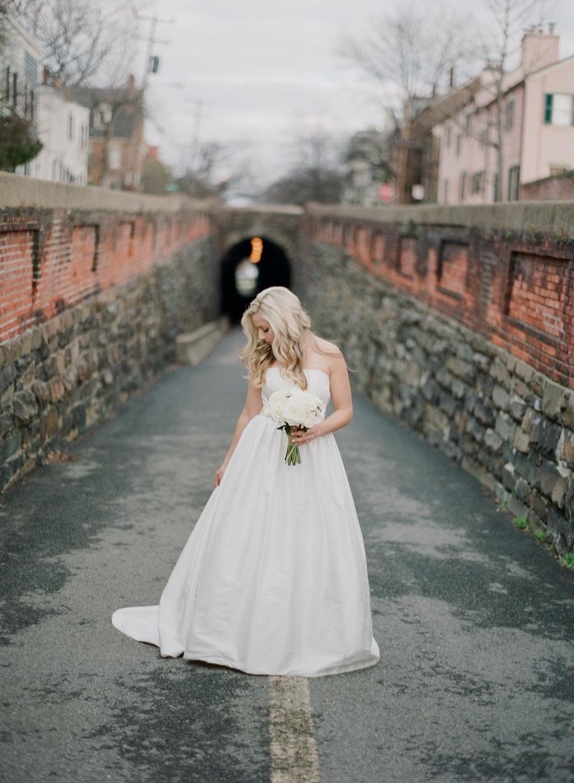 01_Bride Preparation-0197.jpg