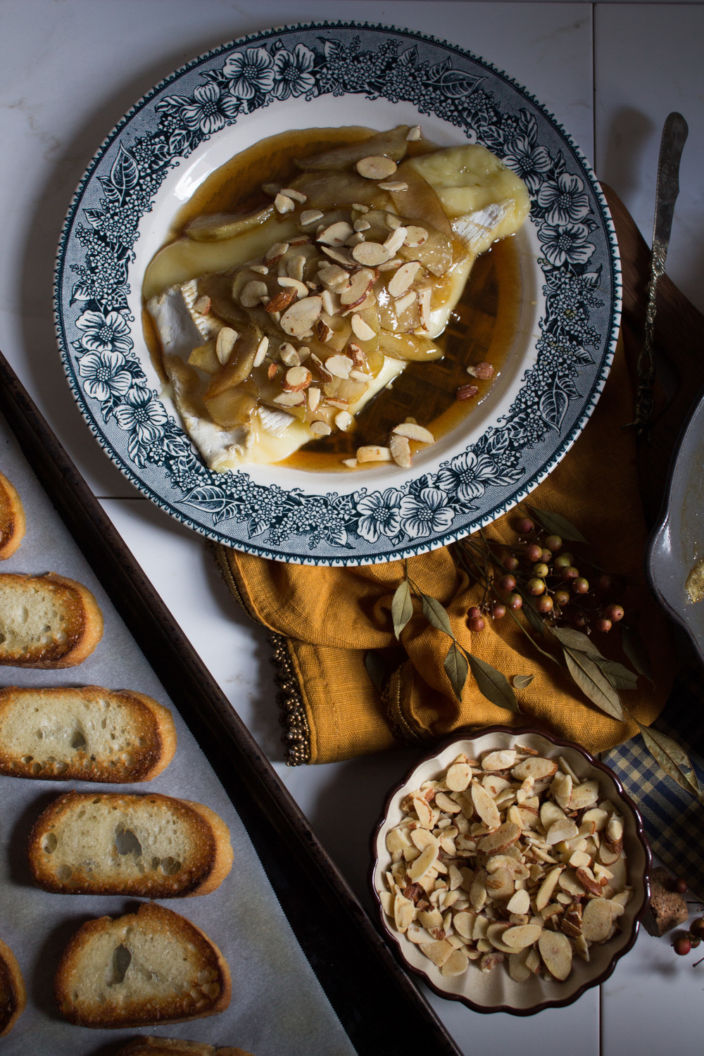 Baked Brie with Caramelized Apples {Pedantic Foodie}