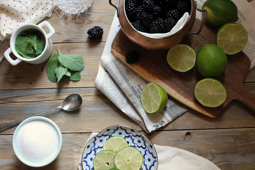 {Thirsty Friday} Blackberry Mint Limeade