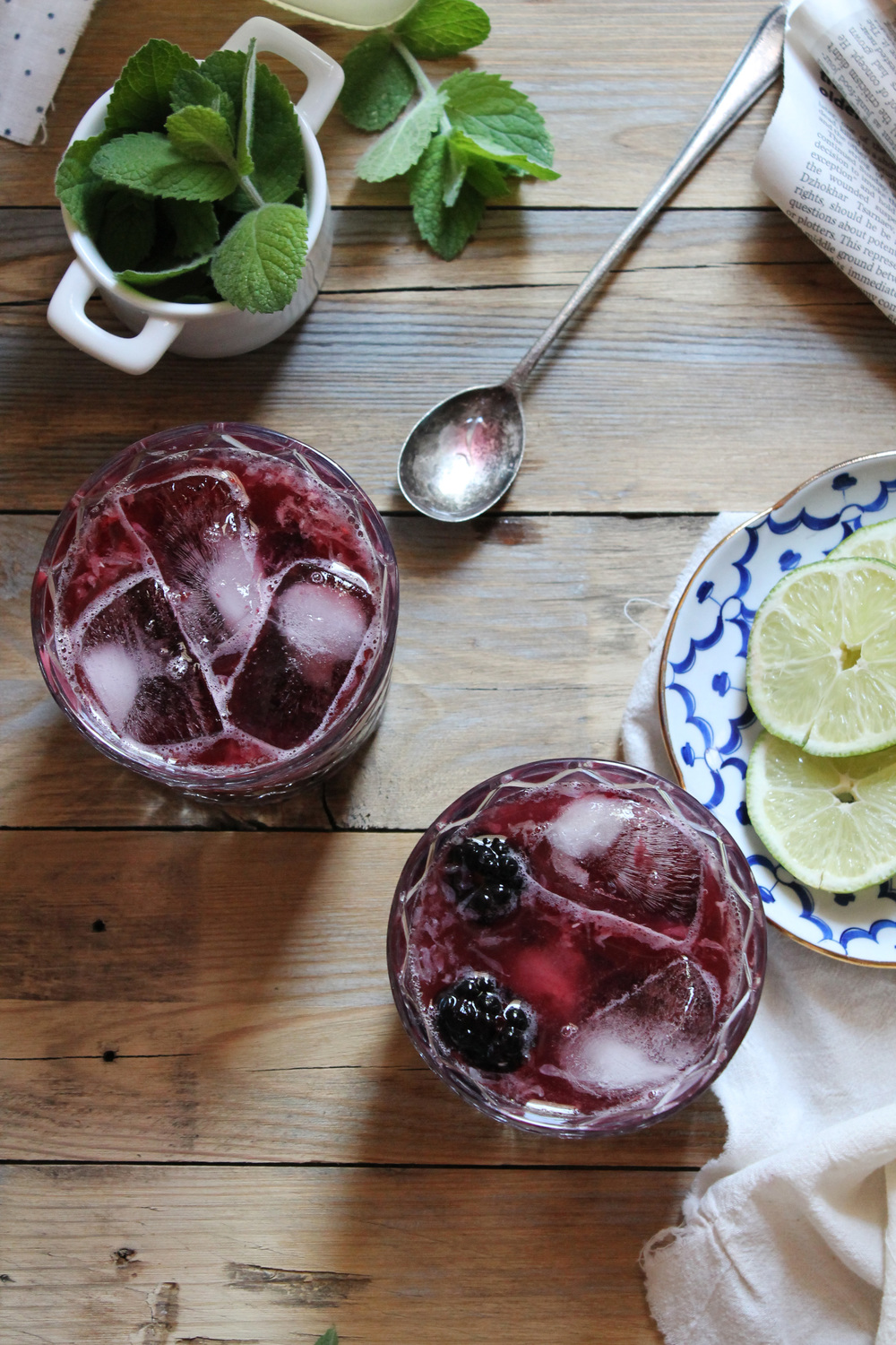 Blackberry Mint Limeade {Pedantic Foodie}
