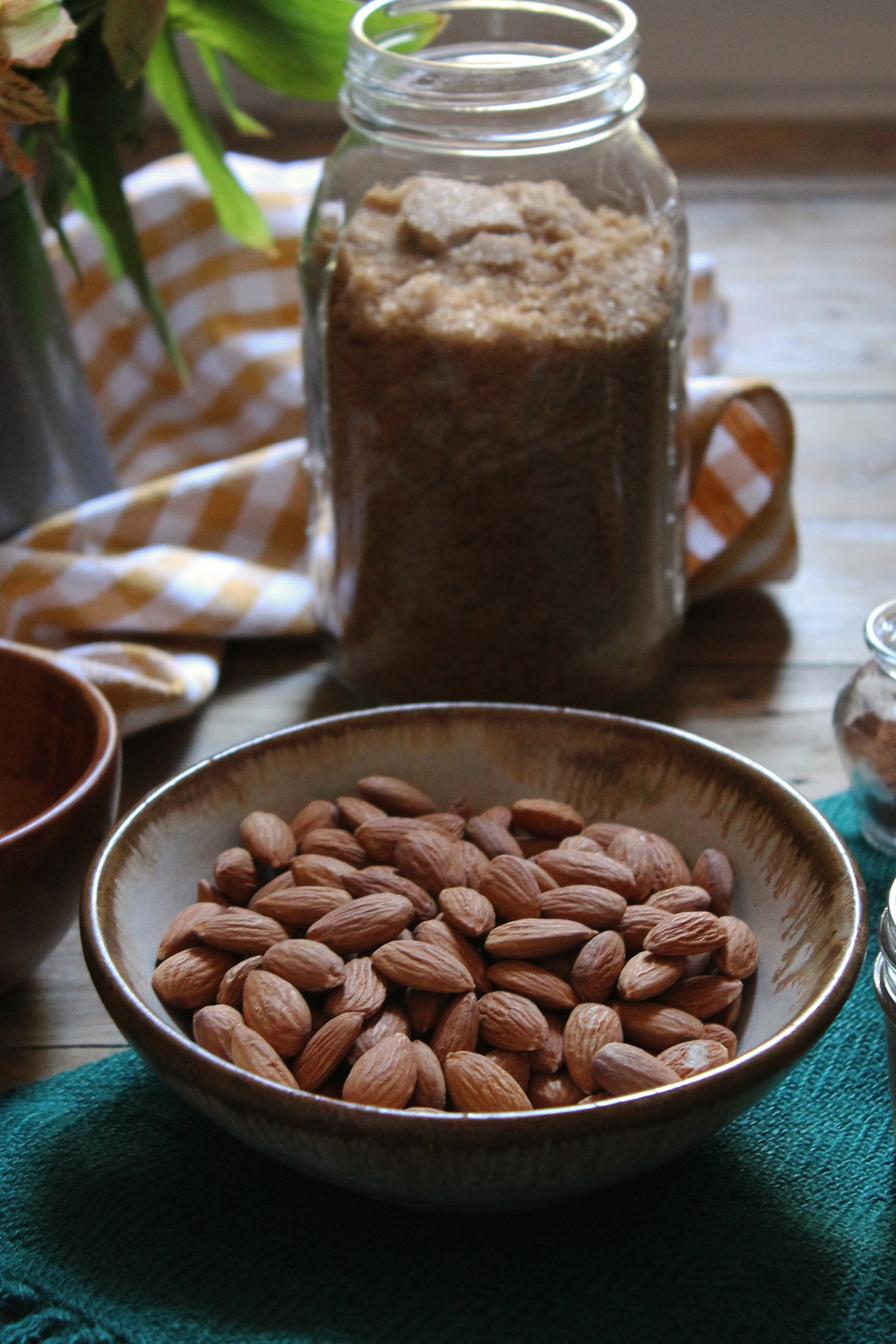 Honey Roasted Almonds with Cinnamon, Sea Salt, & Turbinado Sugar {Pedantic Foodie}