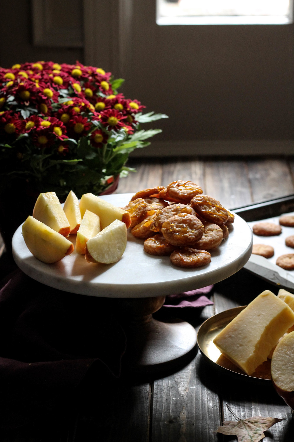 White Cheddar & Burnt Sugar Crackers {Pedantic Foodie}