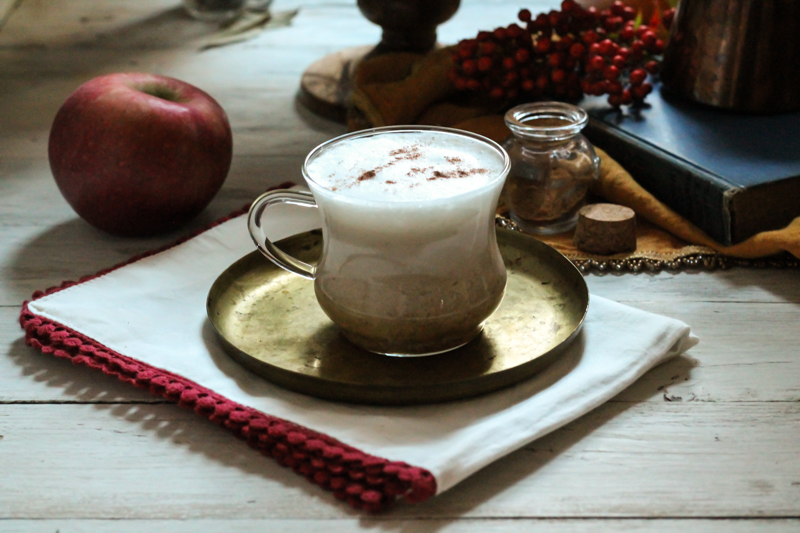 Apple Pie Latte {Pedantic Foodie}