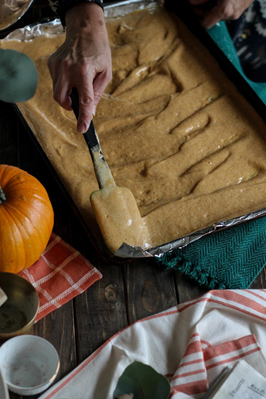 Mama's Pumpkin Roll {Pedantic Foodie}