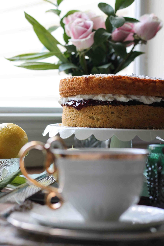 Victoria Sandwich Cake {Pedantic Foodie}