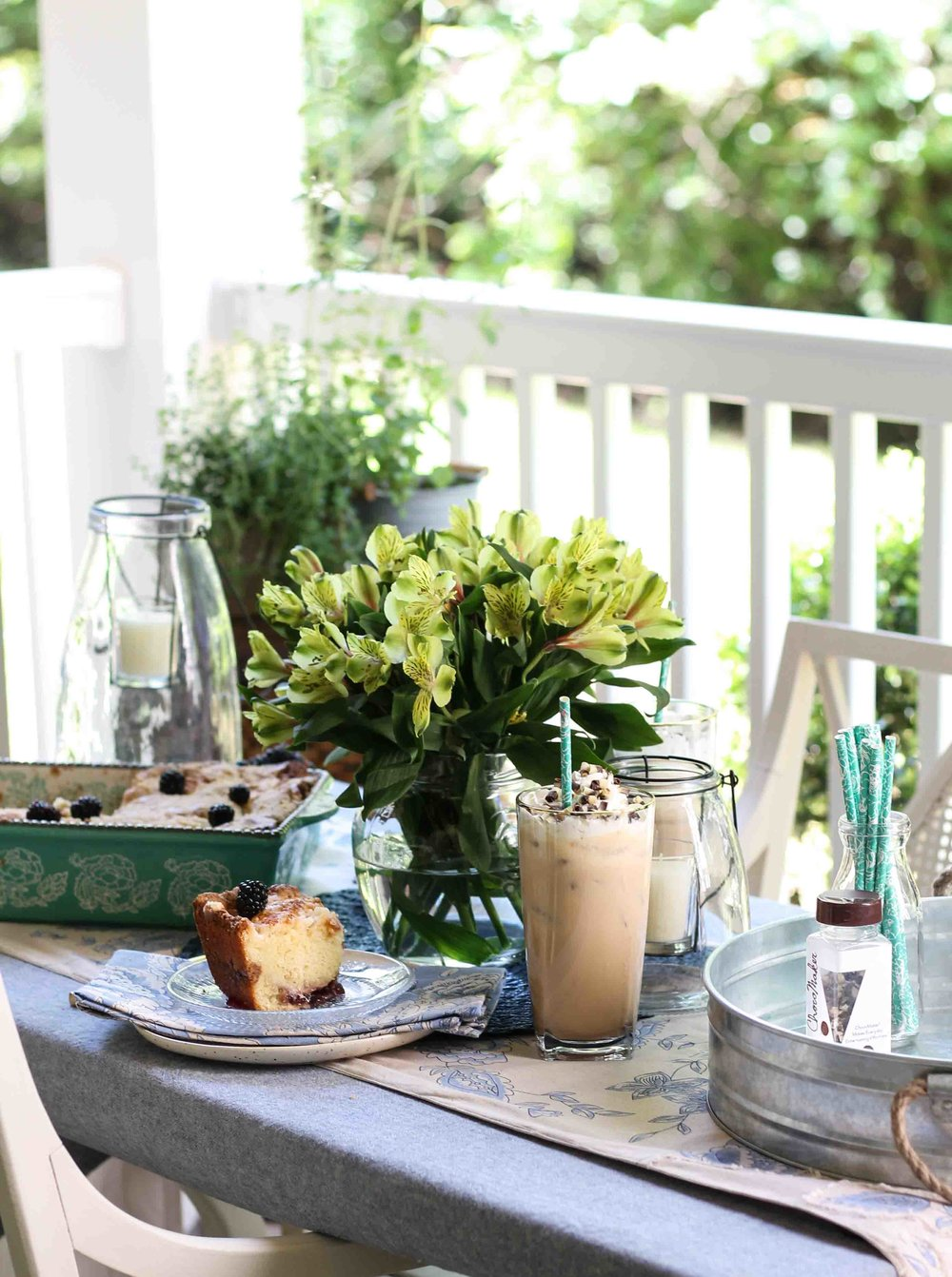A beautiful outdoor Mother's Day Brunch that comes together in less than two hours!