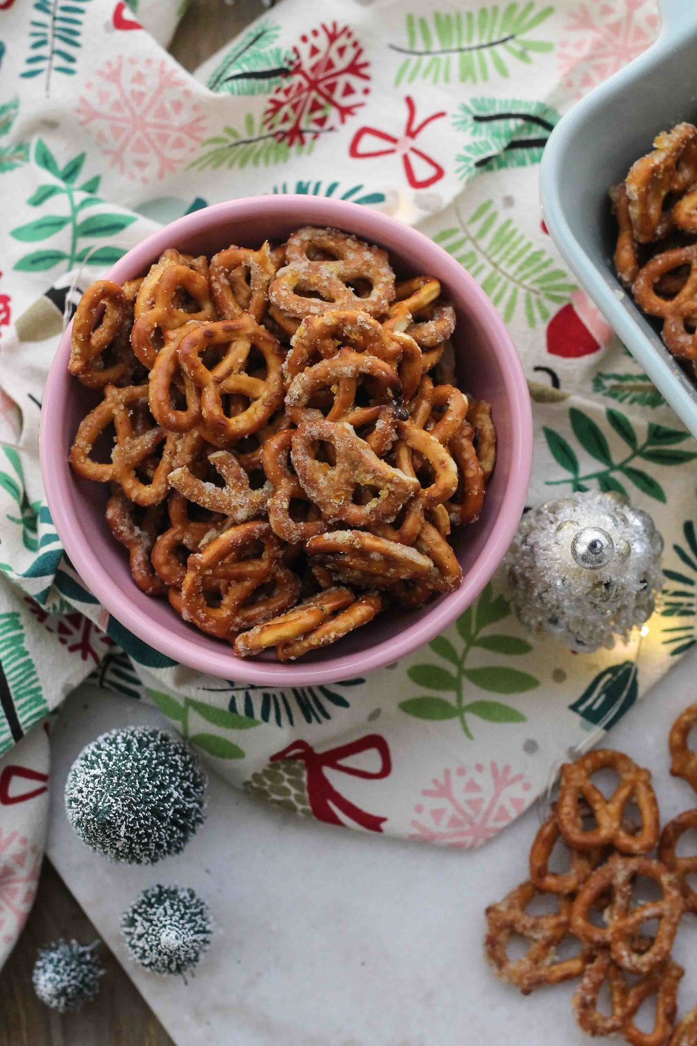 These easy, sugar and spice pretzels become addictive thanks to a heavy dose of nutmeg, vanilla bean, and orange zest - the perfect treat for gifting or Christmas snacking! {Pedantic Foodie}