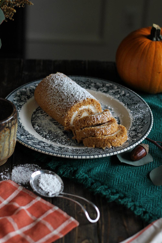 Mama's+Pumpkin+Roll+{Pedantic+Foodie}.jpg