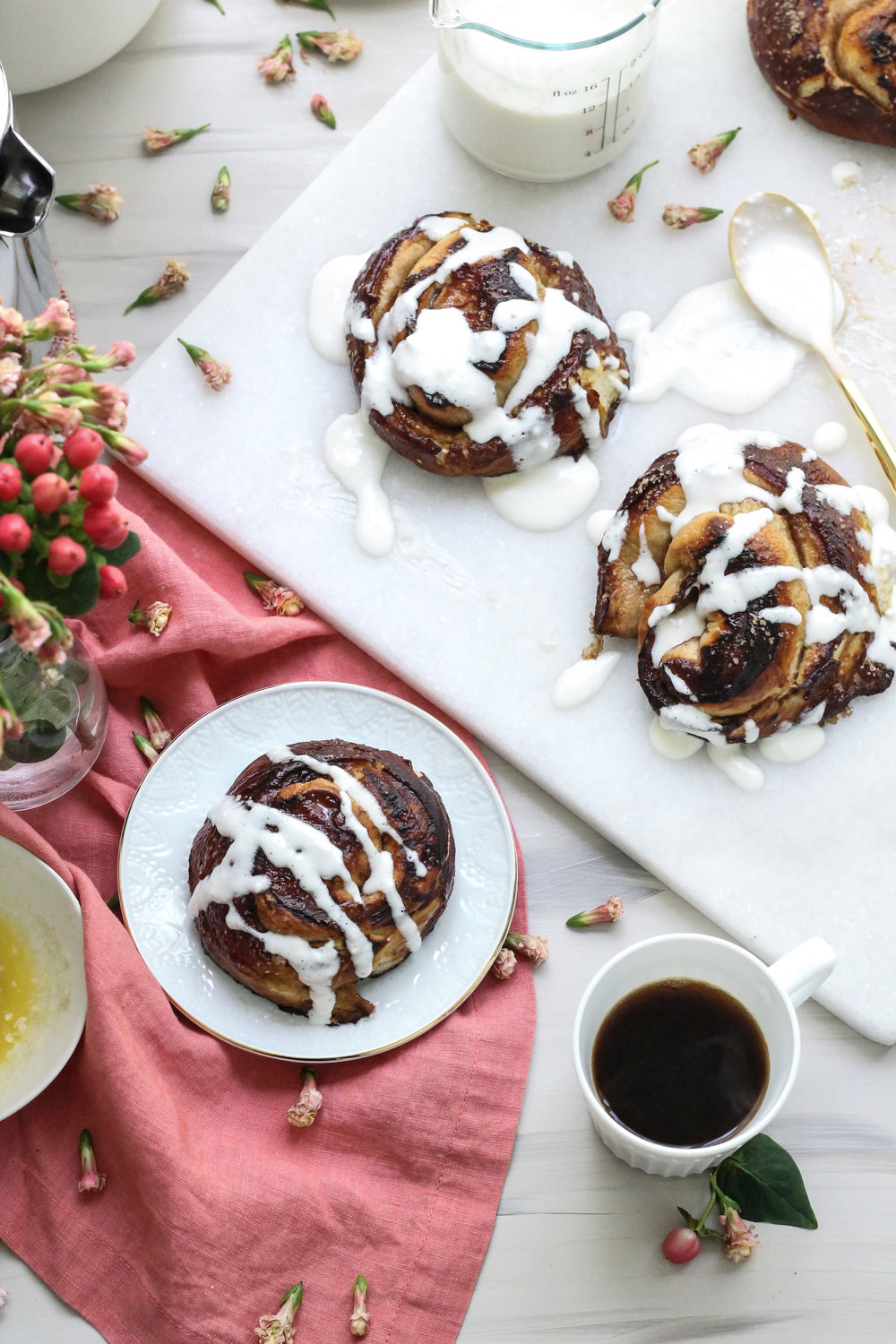 FORGET AVOCADO TOAST, PRETZEL CINNAMON ROLLS ARE THE NEW BEST BREAKFAST [ WWW.PEDANTICFOODIE.COM ]