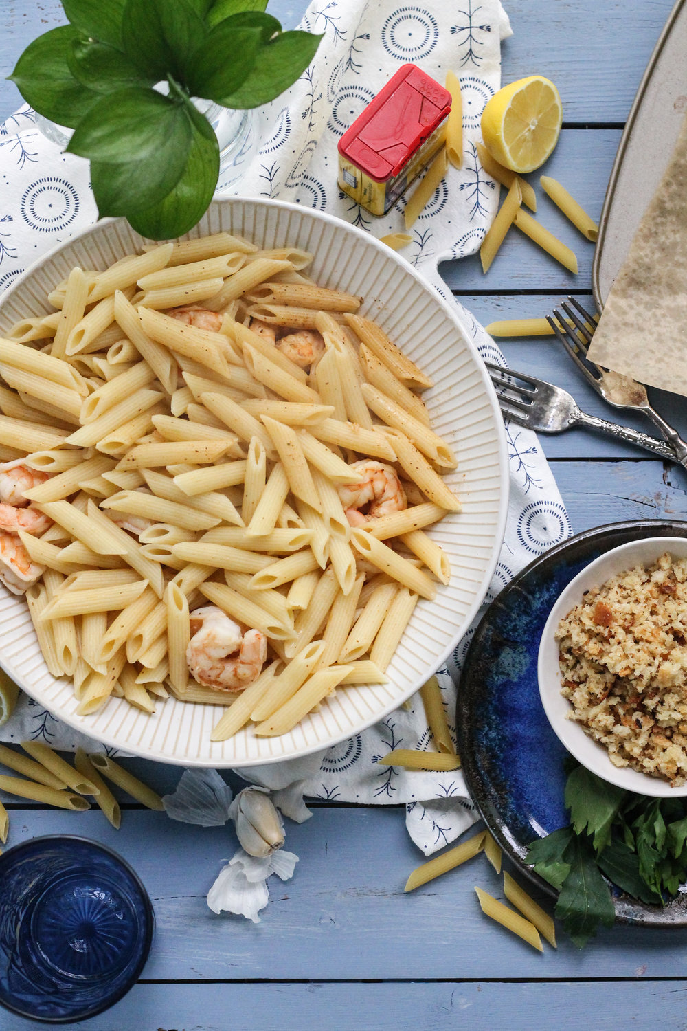 All the flavors of a classic, seaside shrimp boil captured in this scrumptious one-dish pasta!  [ www.pedanticfoodie.com ]