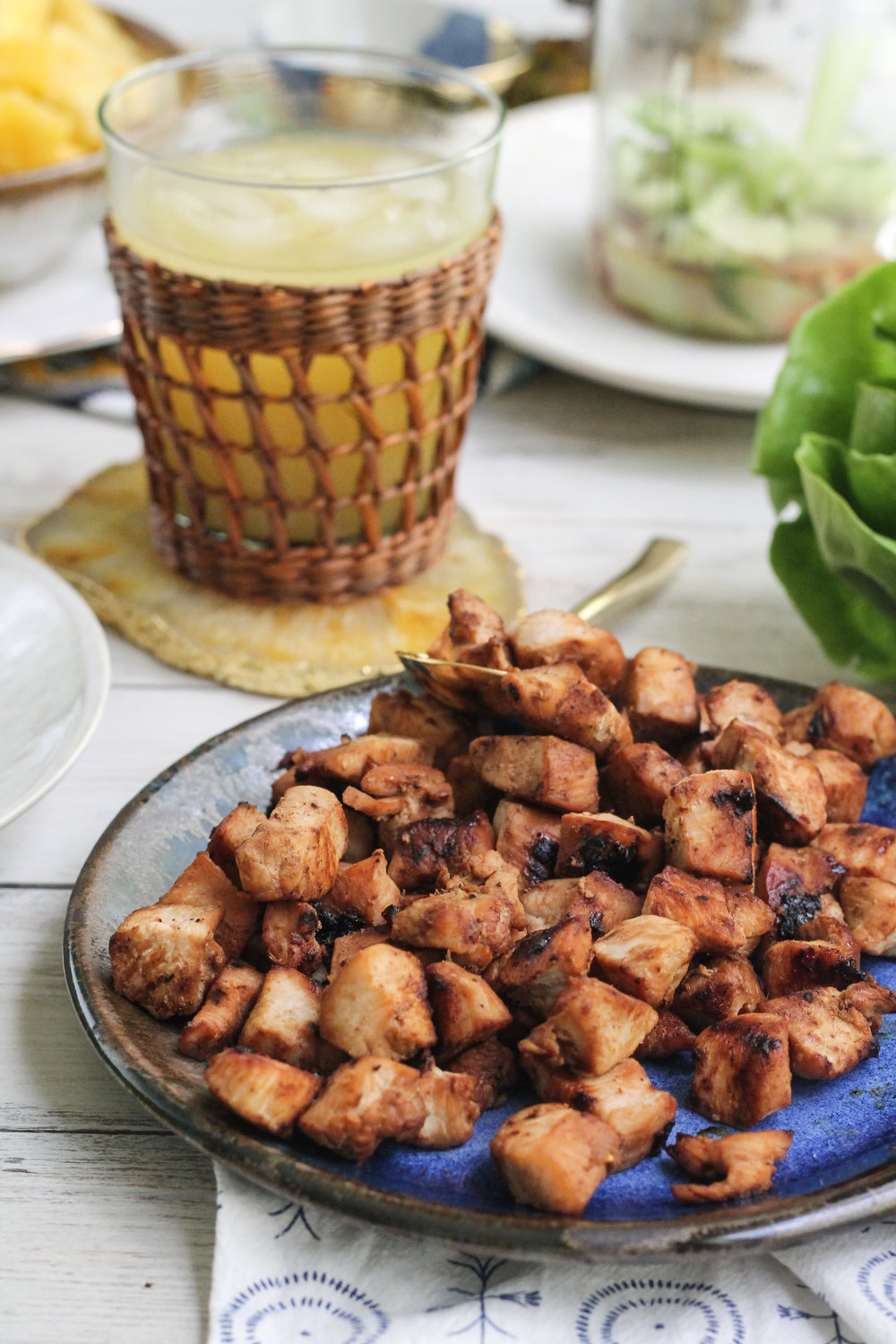 THESE TERIYAKI CHICKEN & PINEAPPLE LETTUCE WRAPS MAKE THE PERFECT WEEKNIGHT DINNER!  [ WWW.PEDANTICFOODIE.COM ]