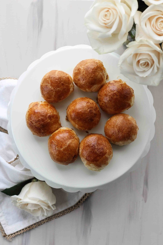 Miniature+Almond+Brie+en+Croute+with+Spiced+Honey+[+www.pedanticfoodie.jpg