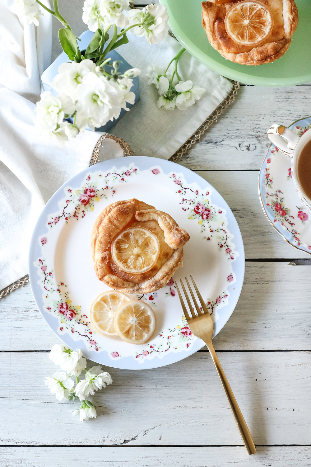 These super easy mini lemon curd & cream cheese danishes make the perfect breakfast! [ WWW.PEDANTICFOODIE.COM ]